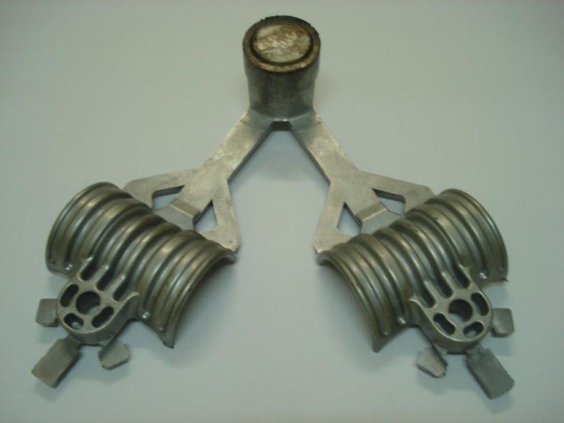 Ferramentaria de moldes de injeção de aluminio